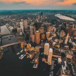 Красивая архитектура города — вид сверху