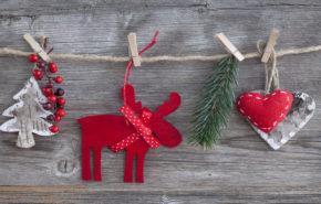 Обои Рождество, фигуры, олень, сердечки, елочка, 4к обои