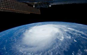 обои космос iphone, планета земля вид из космоса, ураган