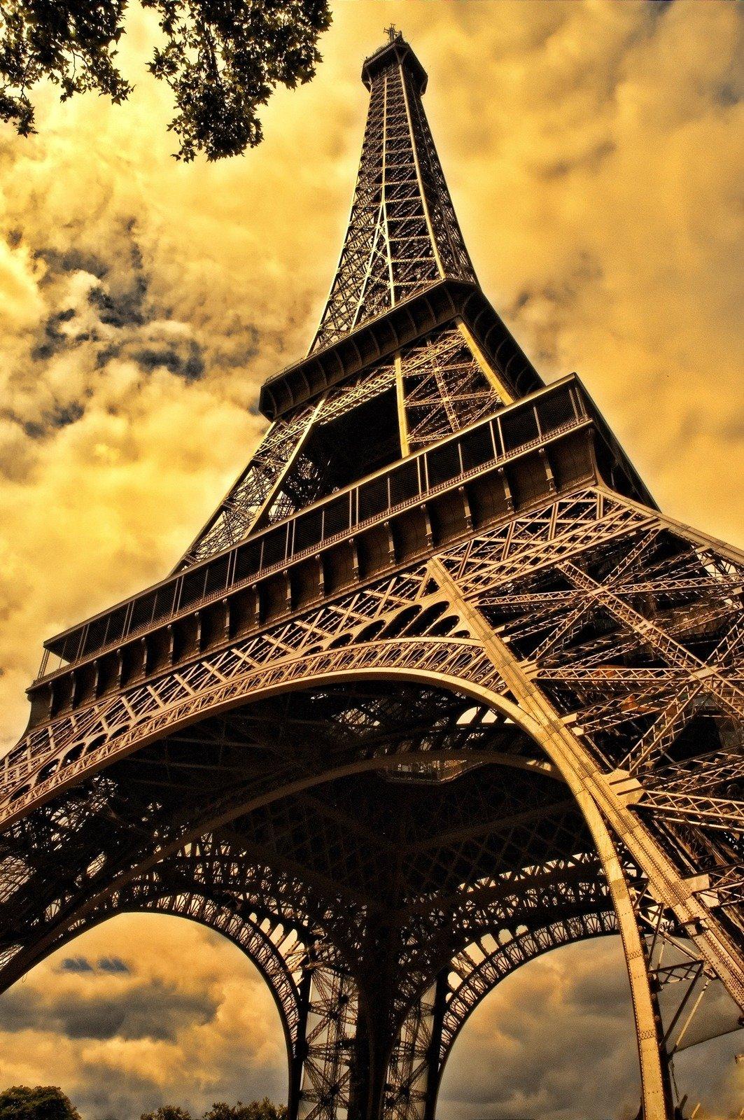 Ейфелева вежа фото, скачать на телефон