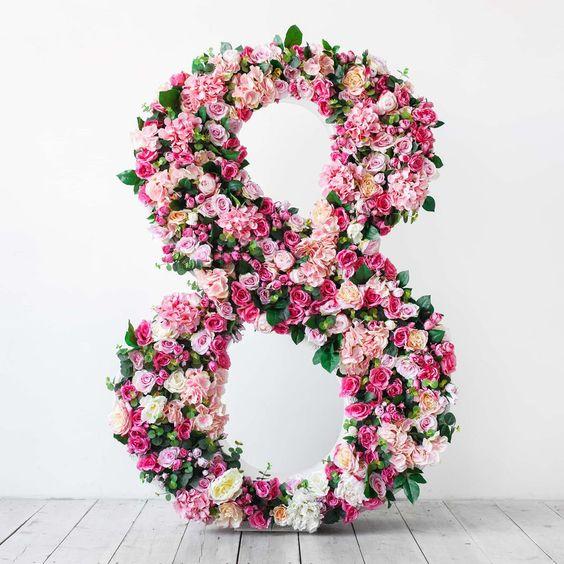 Красивая 8 восьмерка из цветов, 8 марта идеи подарков